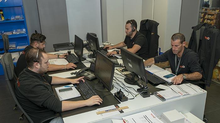 Aperçu des bureaux des services d'expert qualifié en équipement automobile